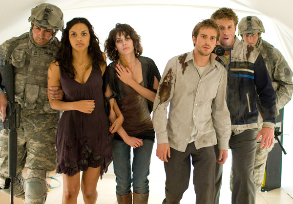 Movie_Cloverfield_Jessica Lucas_Mike Vogel