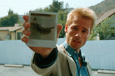 Movie_memento_guy_pierce